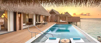 King Grand Overwater Villa With Pool