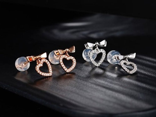 18K Real Gold Heart Shape Earrings with Diamond