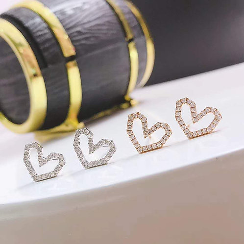18K Solid Gold Heart Shape with Natural Diamond Stud Earrings
