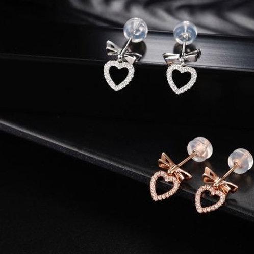 18K Solid Gold Heart Shape Earrings with Diamond