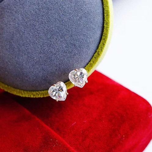 18K Solid Gold Moissanite Heart Stud Earrings