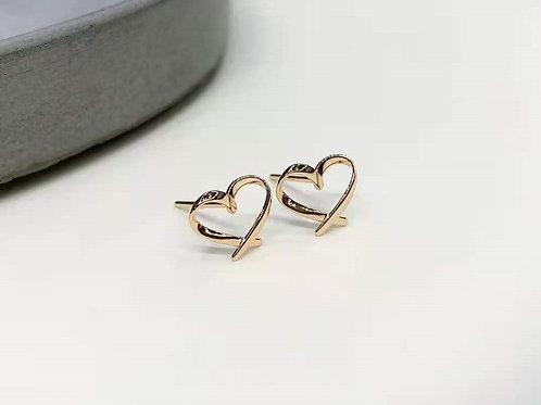 18K Solid Gold Simple Heart Stud Earrings