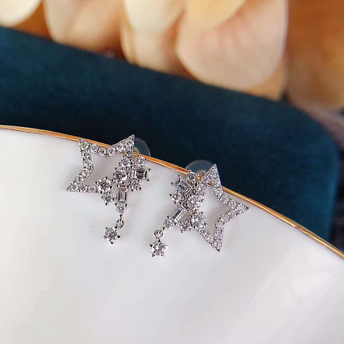 18K Solid Gold Star Shape Earrings with Diamond