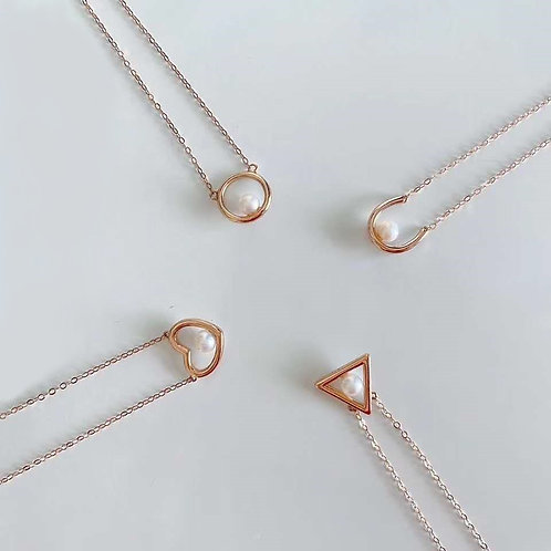 Geometric Shape Natural Freshwater Pearl Pendant in 18K Solid Gold Necklace