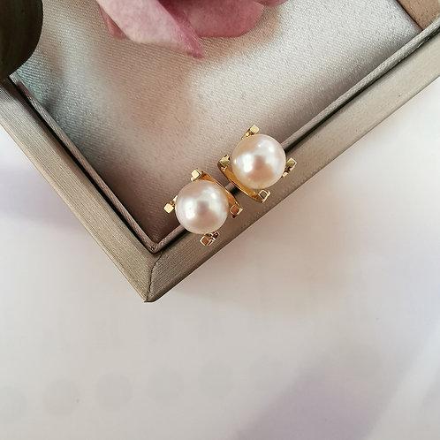 18K Solid Gold Natural Pearl Stud Earrings