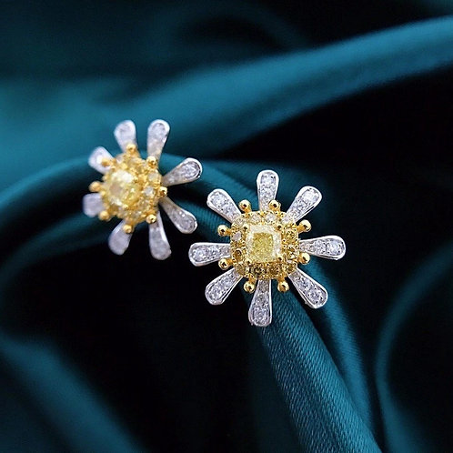 18K Solid Gold Flower Earrings with Diamonds
