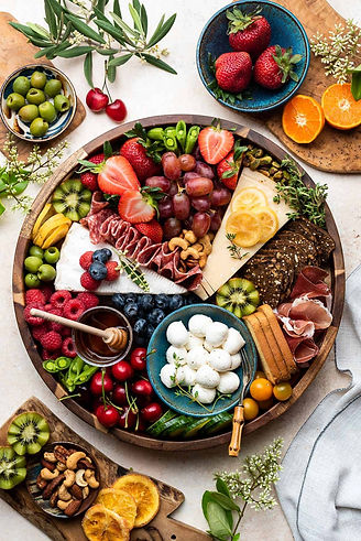 How-to-Make-a-Charcuterie-Board-kitchenc