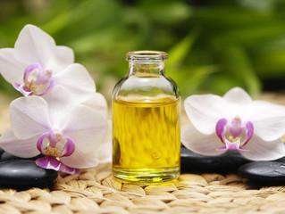 Self-Oil Massage: Benefits, Do's + Don'ts