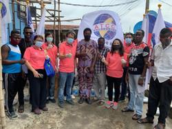 200711 由非總吳總會長親自帶隊進行非總會對奈及利亞拉哥斯貧民窟食物及防疫物