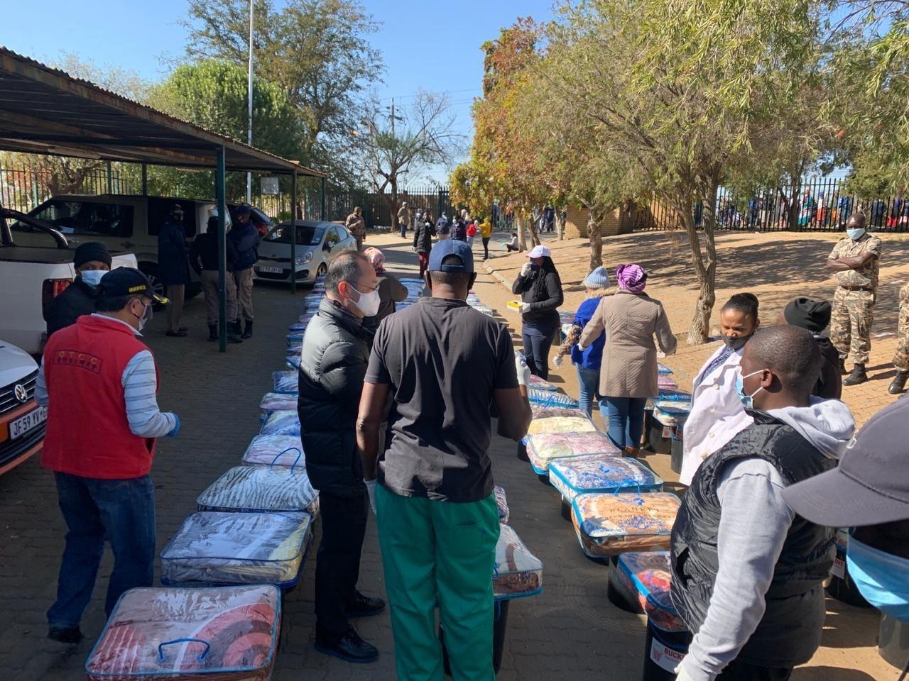 2020.06.14 非總 大約堡地區 第一次 救濟物資與毛毯發放作業