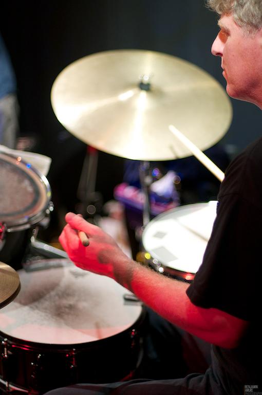 Rick Finlay drums phot B Amure