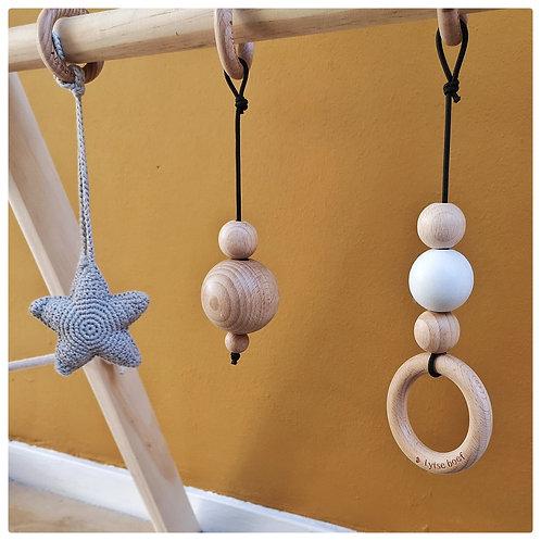 Baby hanger - houten ring / wit
