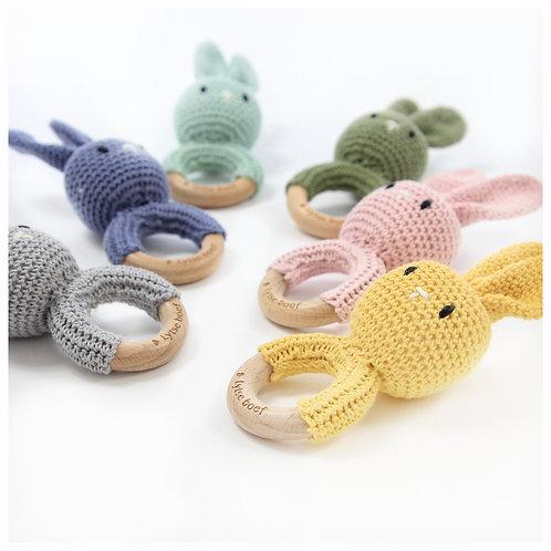 Gehaakte rammelaar - Bunny ( 5 kleuren)