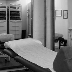 חדר טיפולים מפנק (2).jpg