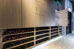 獨立換鞋區及儲物櫃