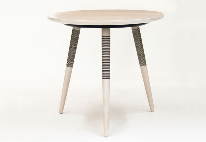 Tebori Table : hand enameled tripod side table