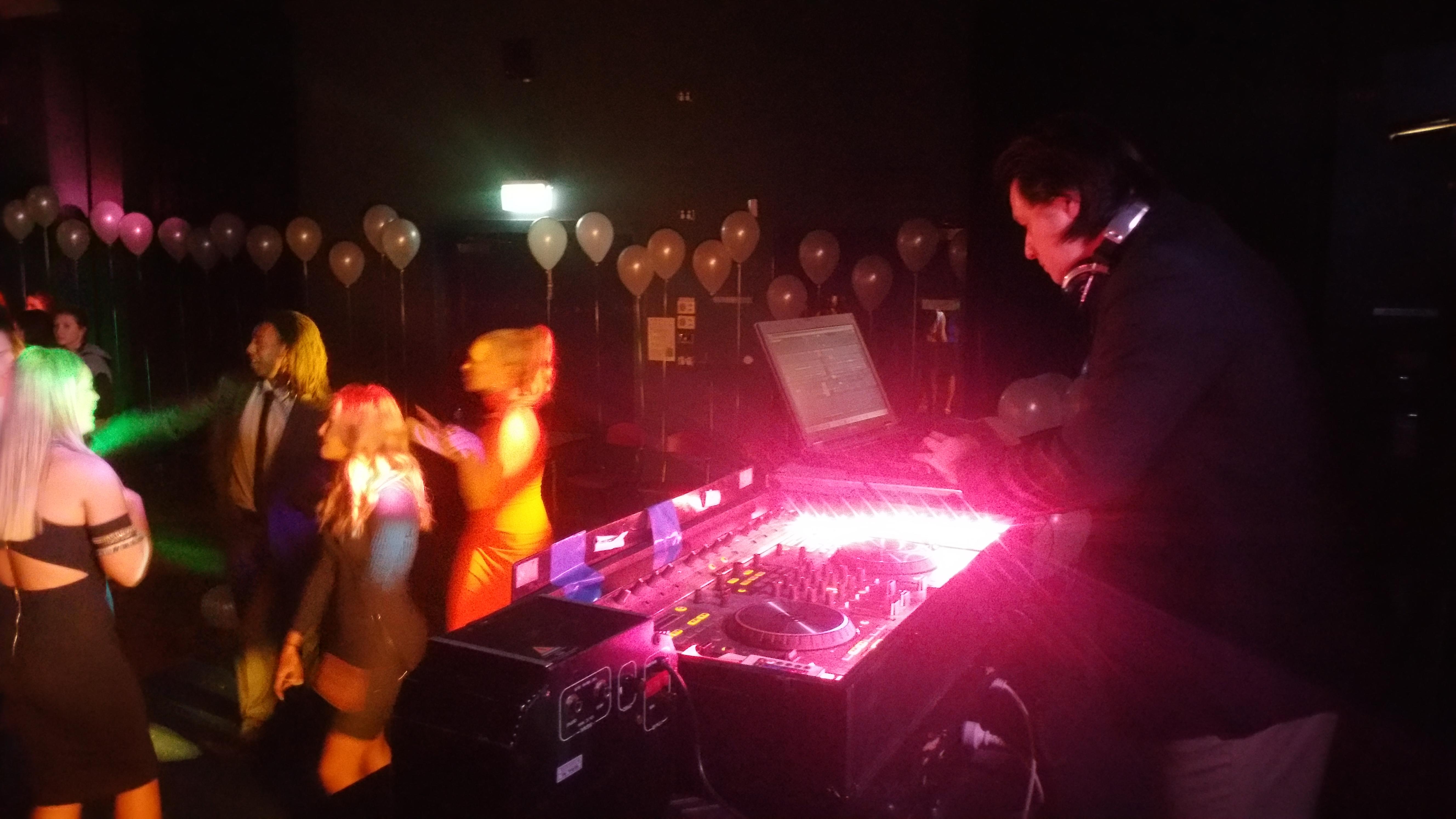 Hawthorn DJ