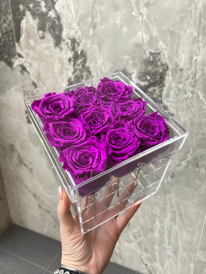 9 rose acrylic box nyc.JPG