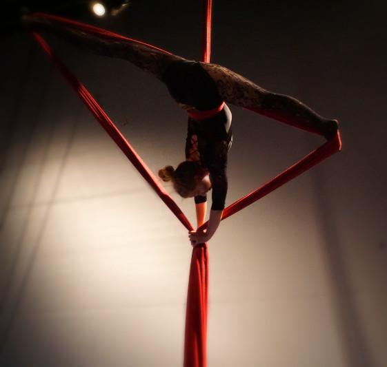 Inni Aerial acrobatics