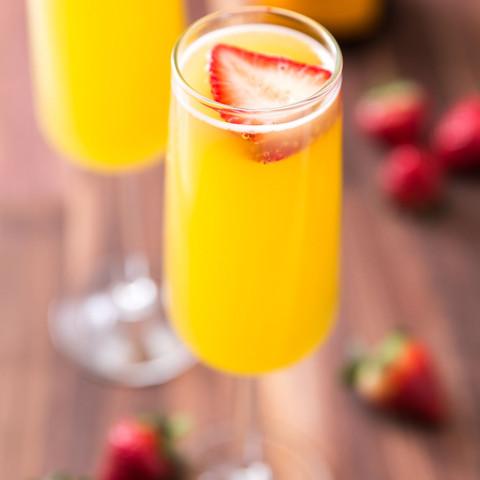 1461678600-delish-strawberry-pineapple-m