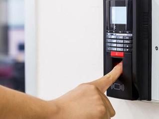 Cartão de ponto eletrônico sem assinatura é válido para checar horas extras