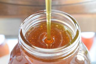 Raw Honey vs. Regular Honey: What's the Difference?