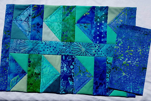 Quilted Place-Mats and Napkins - Flying Geese