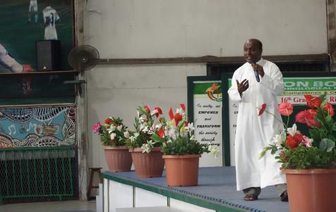 Fr Vinod D'Mello addresses the teachers.jpg