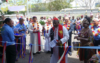 1 Cardinal John Ribat blessing the peopl