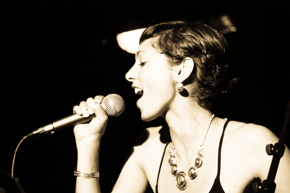 Céline HONORINE -  Bluemengo