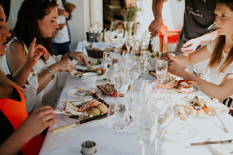 Seafood, Fizz, champagne,lobster, crab, Dartmouth, River dart, Banquet Boat, Picnic boat, feast.