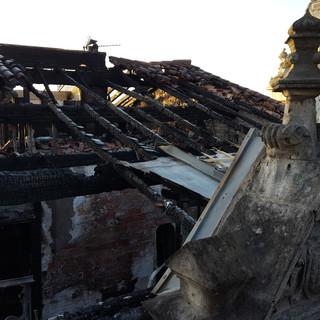Stabilisation d'un bâtiment historique et restructuration après incendie