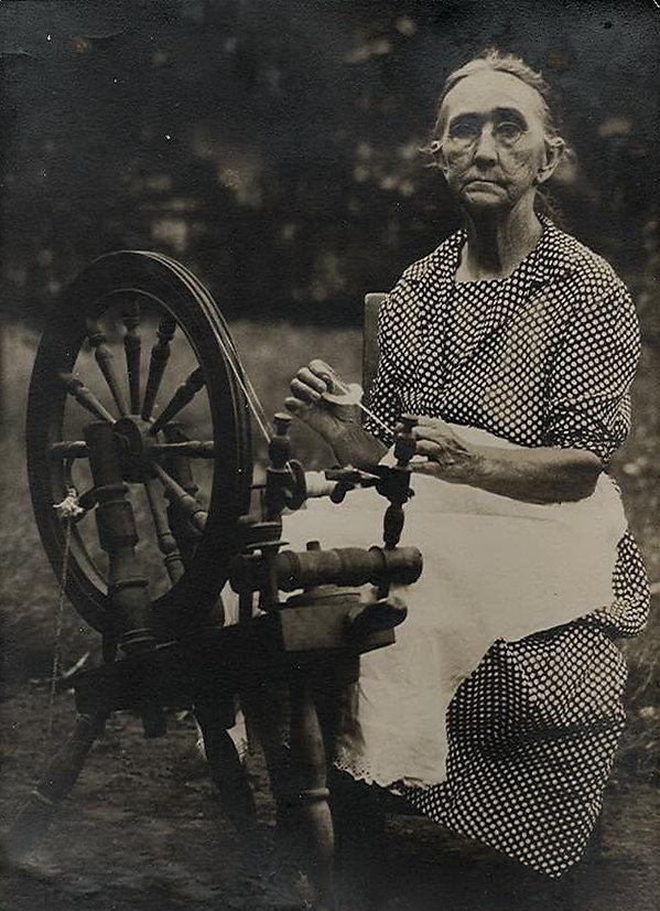 Spinning wheel Bartow no watermark.jpg
