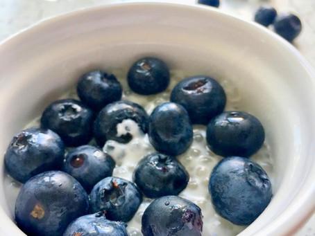 Migdałowy pudding z borówkami (110kcal)