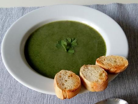Zupa krem z pokrzywy i koniczyny (312 kcal)