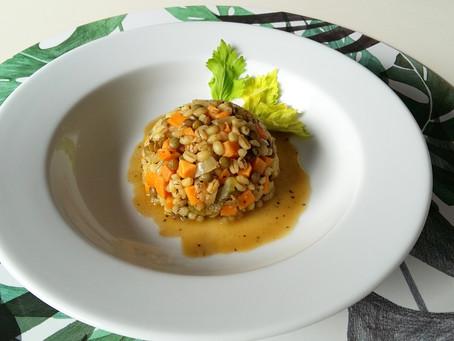 Kaszotto z zieloną soczewicą i batatem (438 kcal)