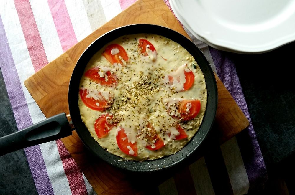 Letnia frittata z cukinią i pomidorami