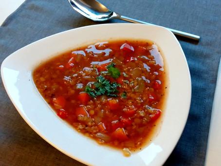 Zupa z soczewicą i komosą ryżową (479 kcal)
