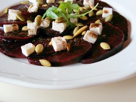 Carpaccio z buraka z fetą (176 kcal)
