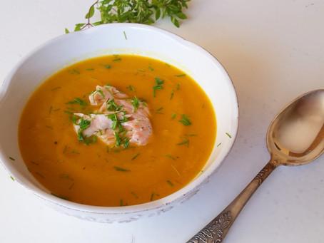 Krem dyniowo- batatowy z pieczonym łososiem (274 kcal)