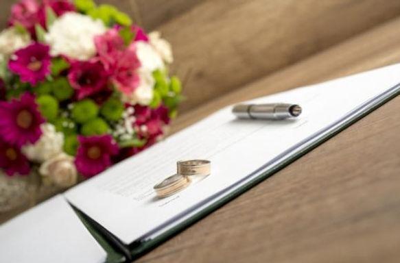 Pubblicazioni di matrimonio e conseguente celebrazione con rito civile