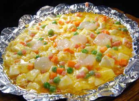 木桶咸蛋豆腐 Tofu cooked in salted duck egg sauce