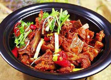 一品干锅羊排 Hot and Spicy Lamb Ribs in Chili Pot