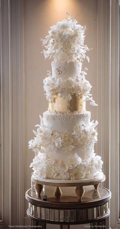 LB1000Grand-luxury-wedding-cake-Pippa-Ma