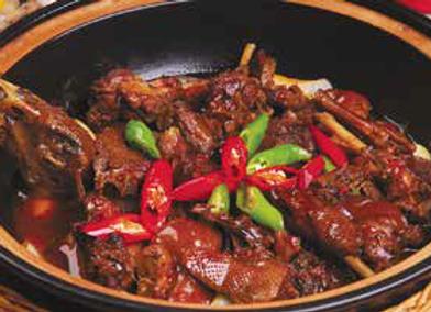 火爆绝味鸭 Spicy Fried Duck with Spicy Chille