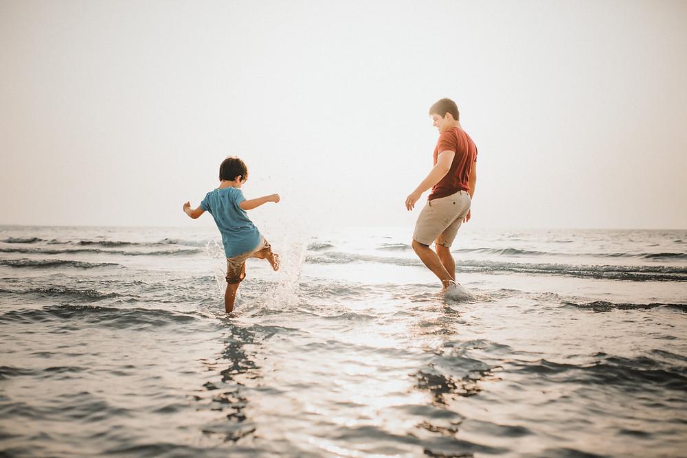 Karen Holden Photography | Abu Dhabi Family Photographer | Splash