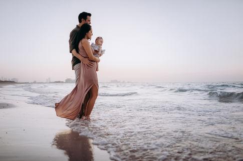 Karen Holden Photography - Abu Dhabi Family Photographer