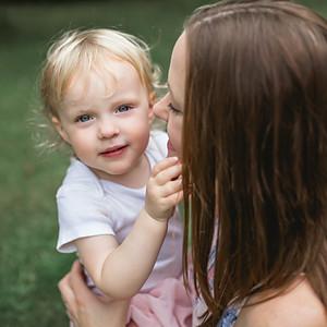 Lynne & Imogen - Motherhood Session - Barnsley House