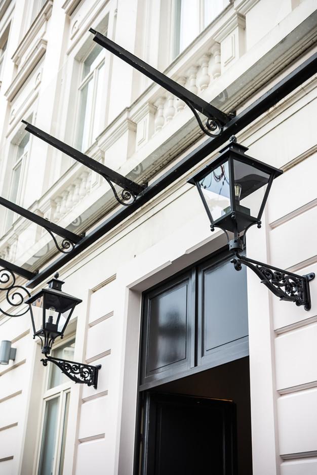 NIEUW | Verlichting voor Pillows Hotel Brussel | DE NOOD Klassieke ...