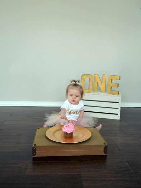 Adalyn's Cake Smash Session